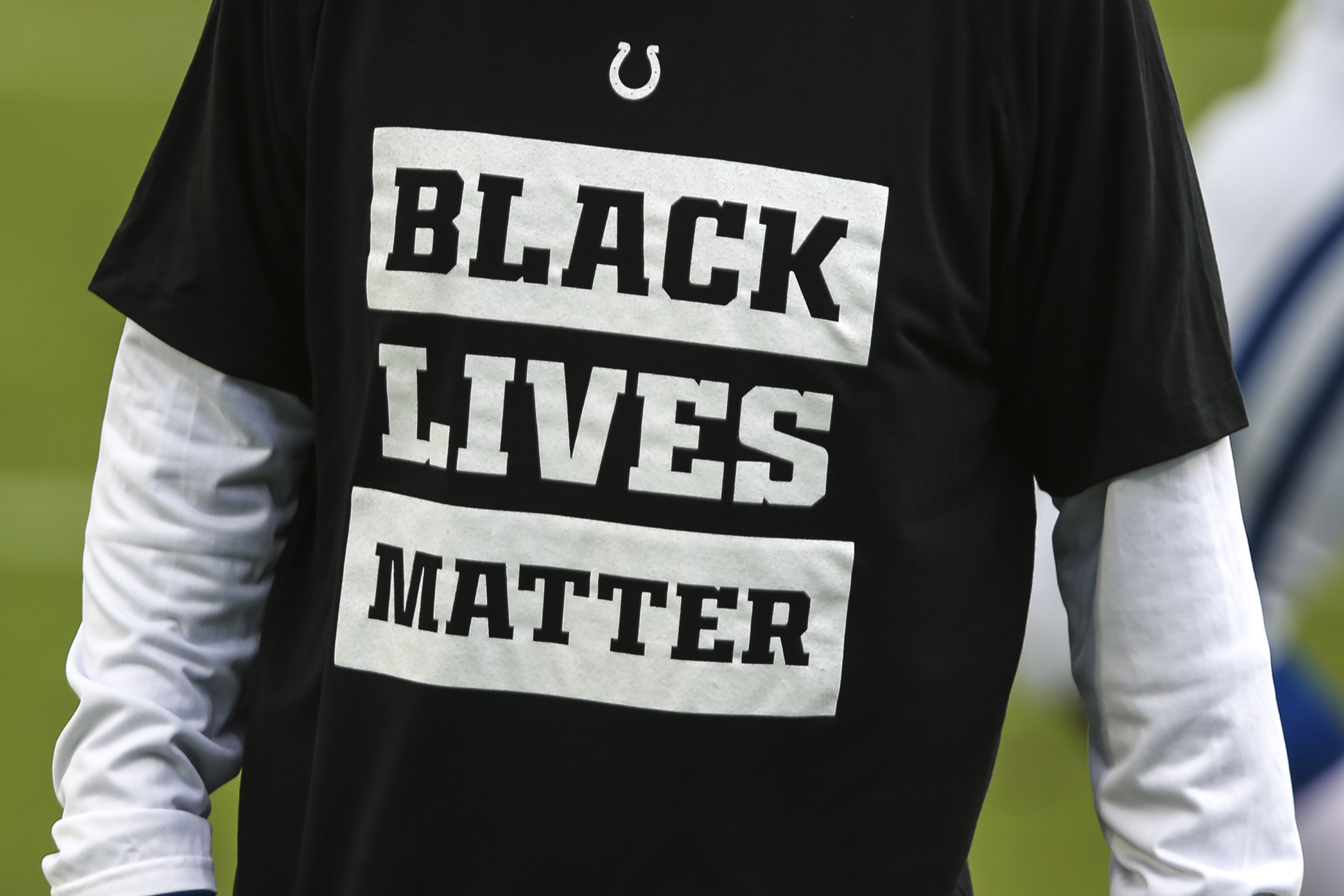 Poll Worker Fired For Telling Voters in Black Lives Matter Gear to Change - vice