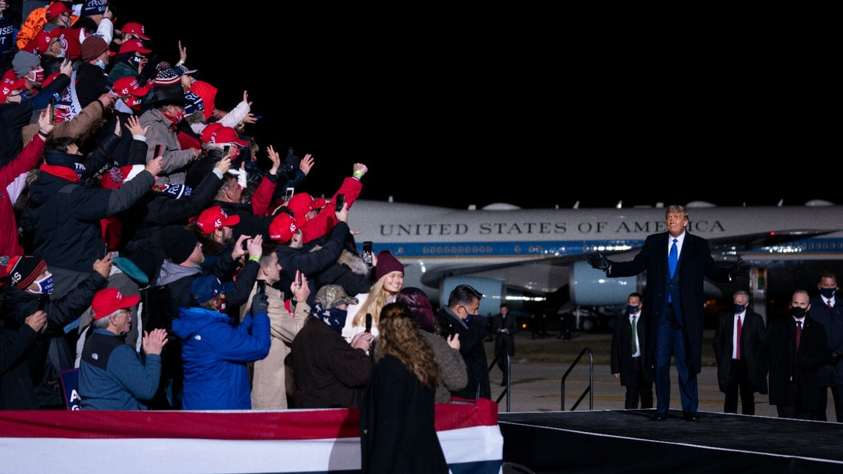 , The Trump Campaign Left Thousands of Supporters Stranded in Near-Freezing Temperatures in Omaha, Saubio Making Wealth