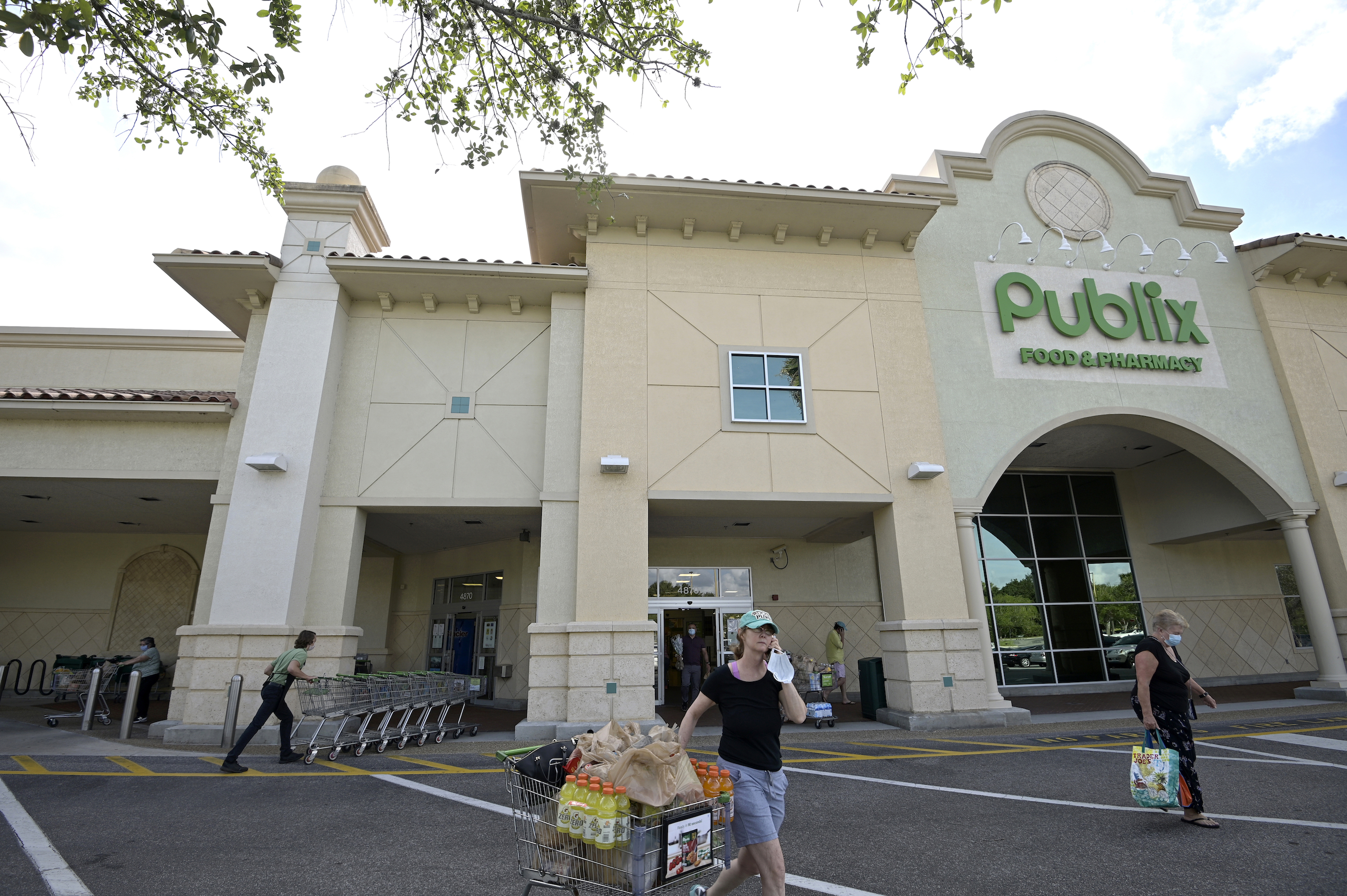 A Publix Worker Died of COVID After He Wasn