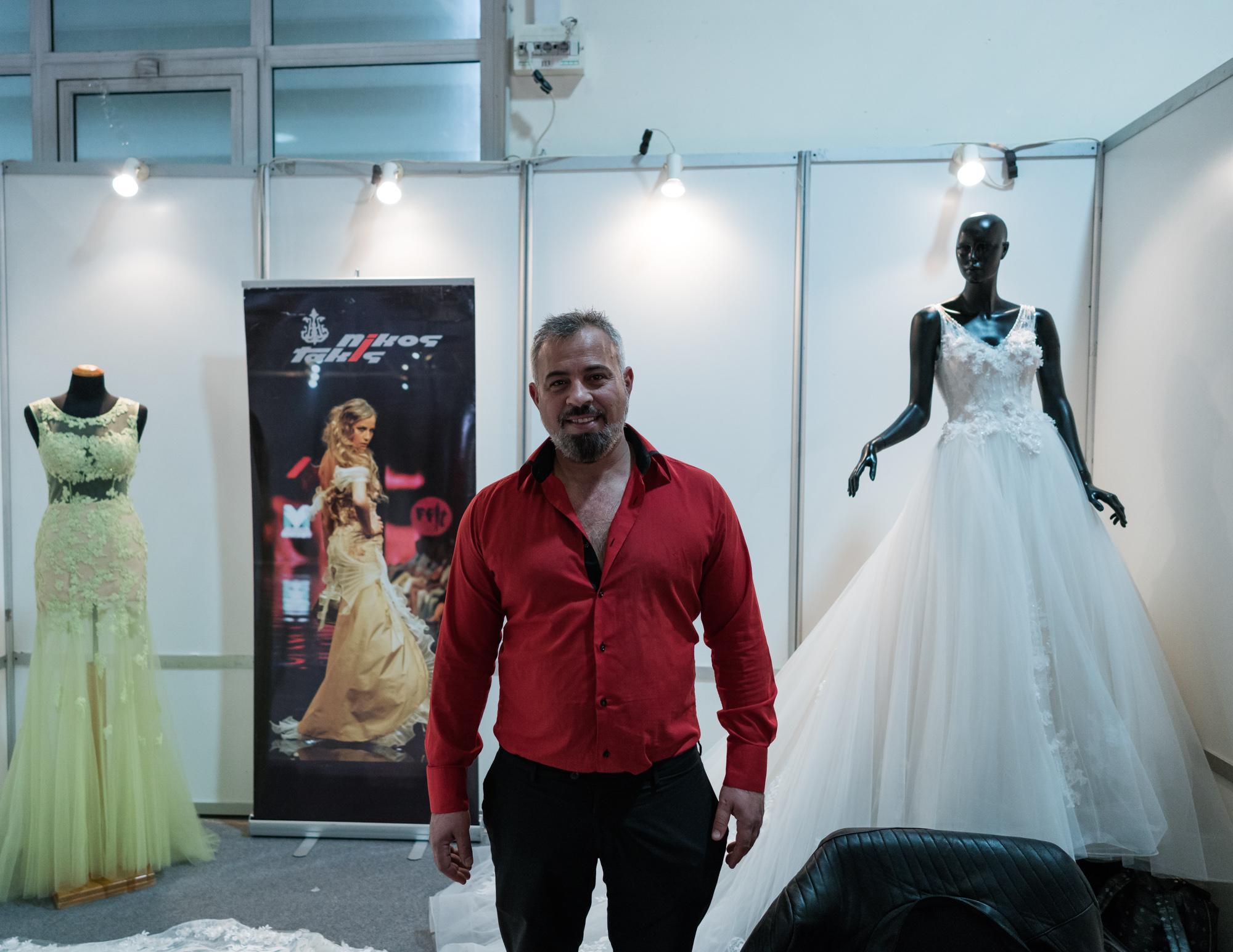 69e56f98a690 Όλα όσα Έμαθα για την Ελληνική Βιομηχανία του Γάμου Προσπαθώντας να ...