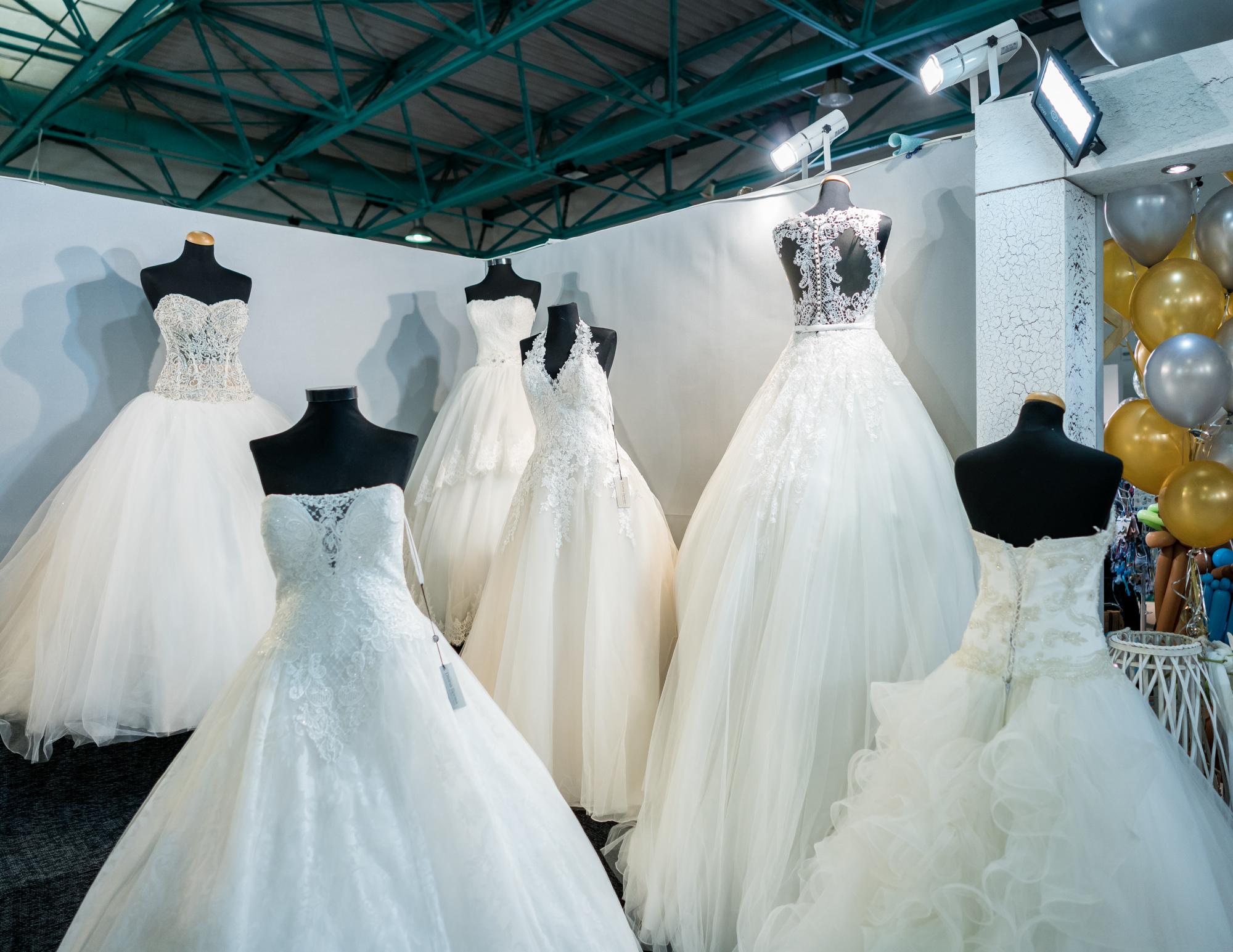 1d38469cafd Προσπάθησα όμως να βρω πόσο θα στοίχιζε σε ένα ζευγάρι ένας γάμος στις  ημέρες μας και παράλληλα πώς έχει επηρεάσει τη βιομηχανία ...