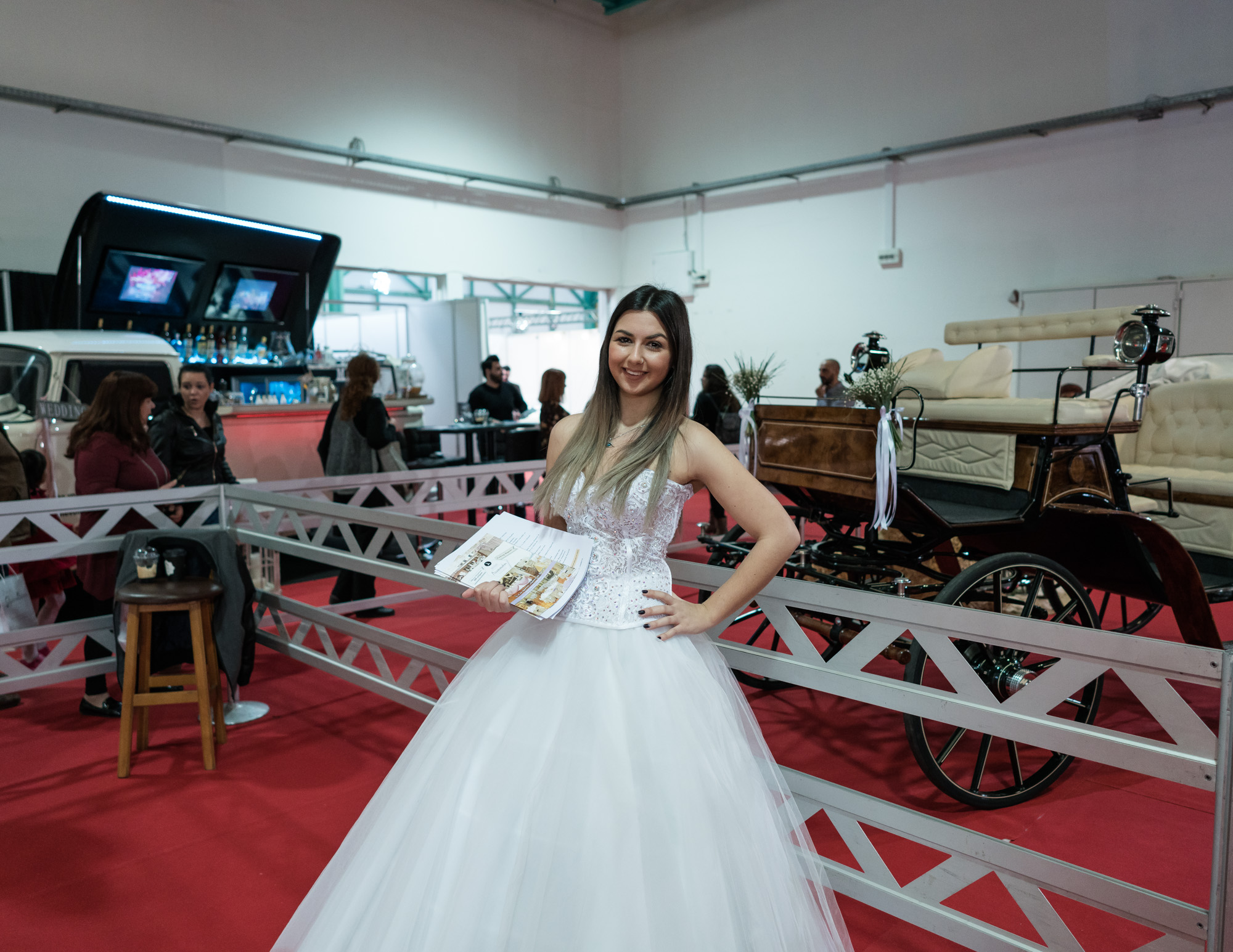a1ccf91cdcc2 Όλα όσα Έμαθα για την Ελληνική Βιομηχανία του Γάμου Προσπαθώντας να ...