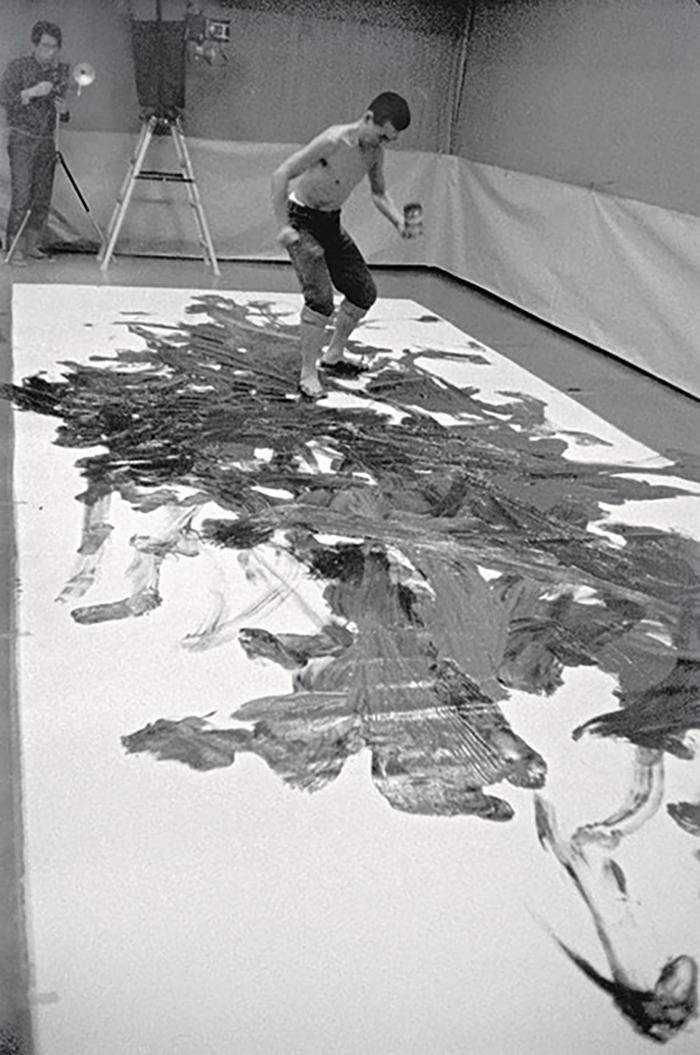 kazuo shiraga  le japonais qui peignait comme un pied