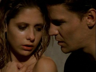 Buffy and Angel in 'Surprise' (Screengrab via YouTube)