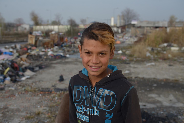 Mladi Romi U Srbiji šala Na Stranu Na špic Frizure Su Zakon
