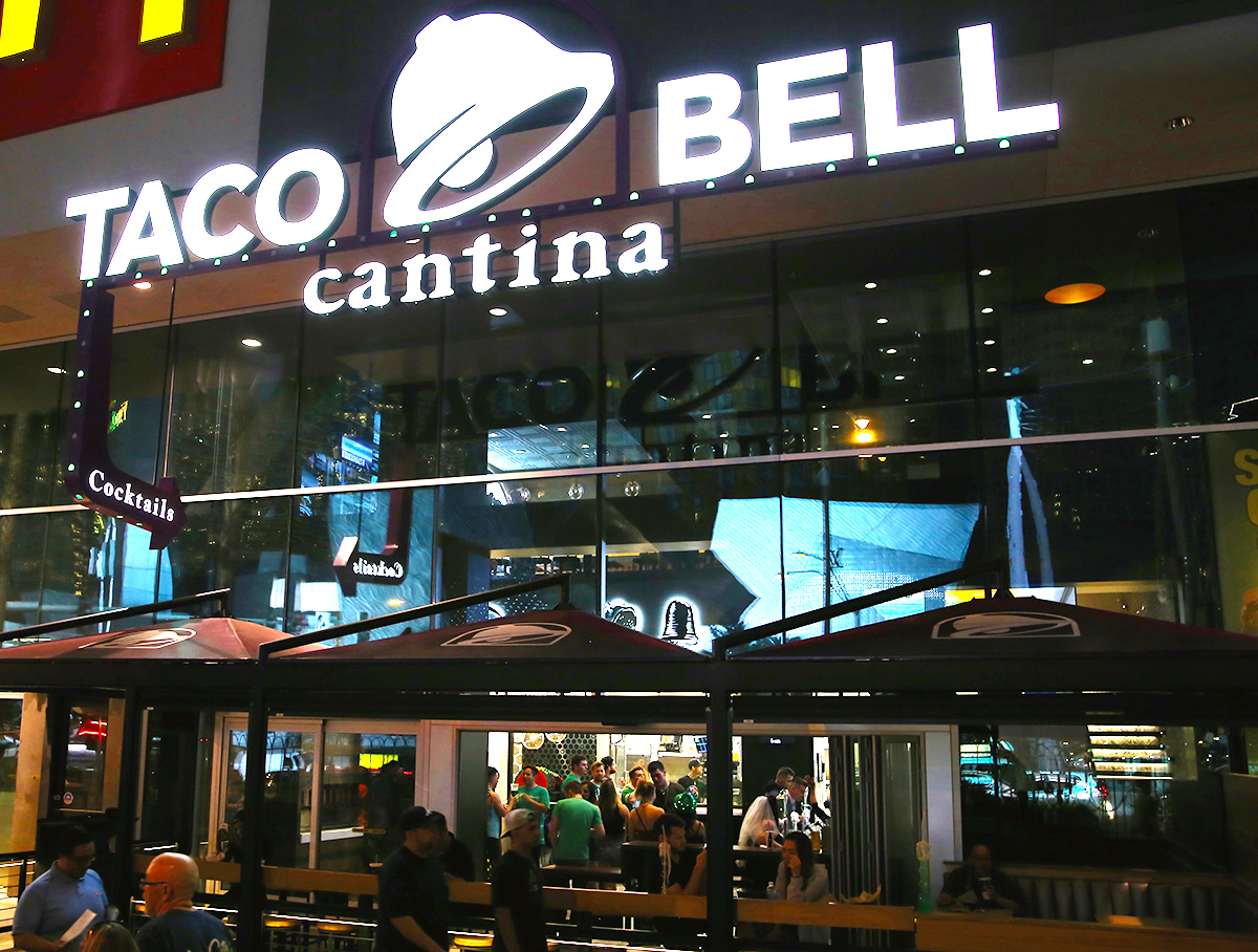 I Spent St Patrick S Day At The Taco Bell Quot Club Quot In Vegas