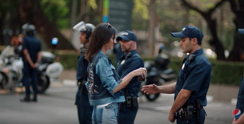 Resultado de imagen para comercial de protesta de pepsi