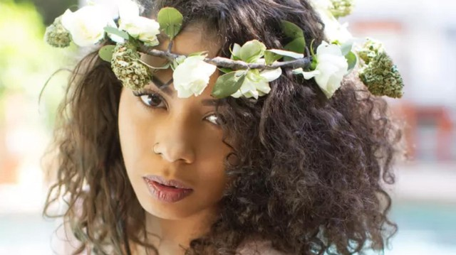 We Spoke to the Inventor of the Weed Flower Crown, a