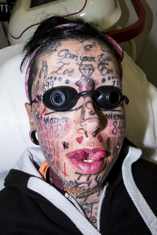 Actrices Porno 2017 Tatuajes esta española quiere ser la mujer más tatuada del mundo - vice