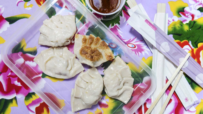 5 recetas fciles para dominar los dumplings caseros munchies dumplings de camarn y mango forumfinder Images
