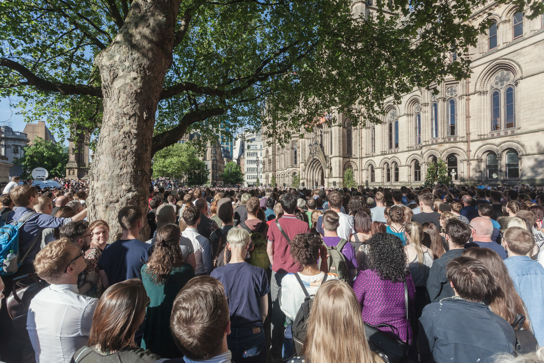 Tears and solidarity as manchester mourned its dead vice in fact i got my flowers from marks and spencer flower shop i went to pay and they said no theyre free weve always pulled together izmirmasajfo Images