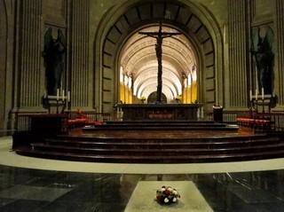 500 euros por casarse en el Valle de los Caídos