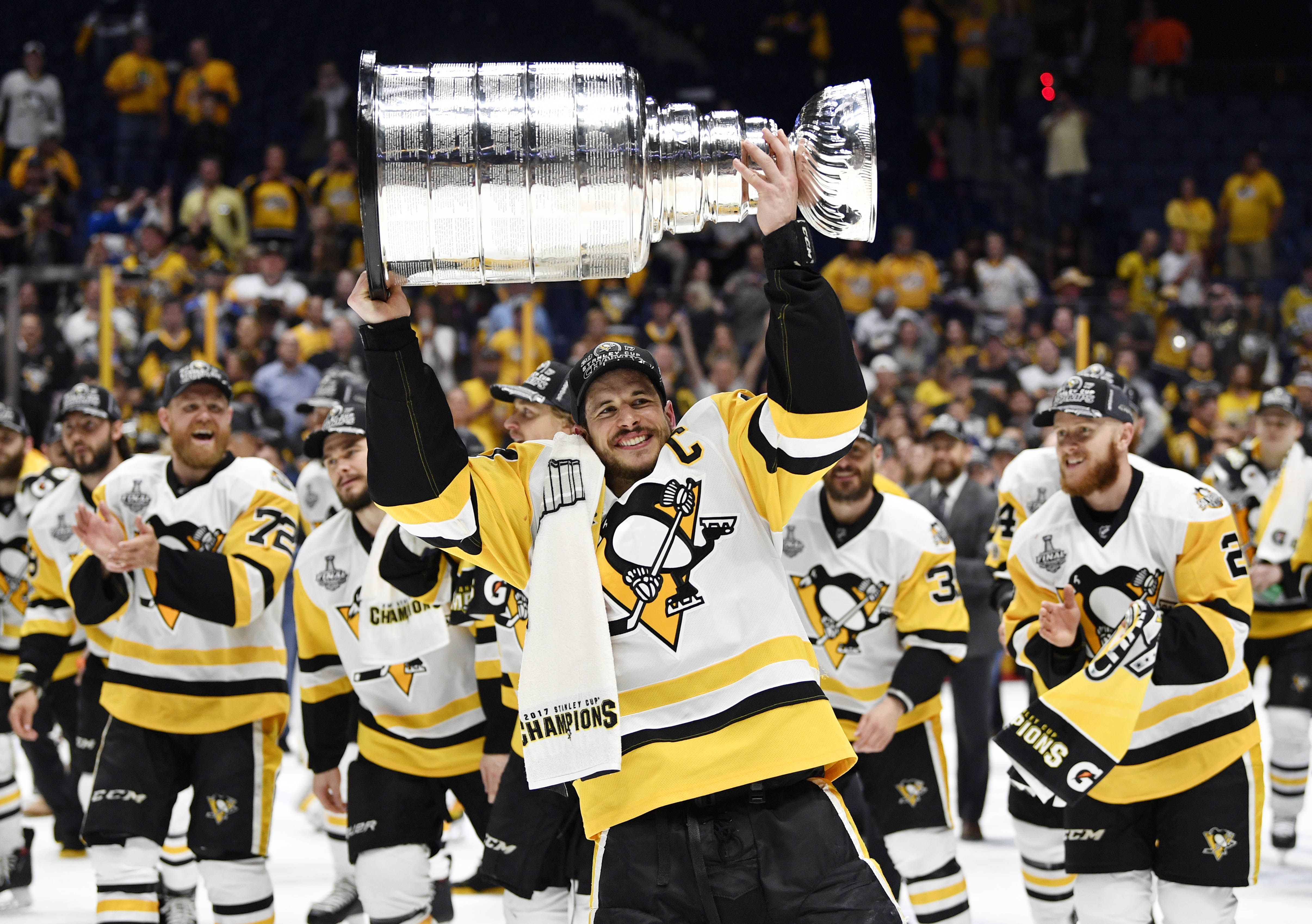 1497280968279-sidney-crosby-stanley-cup.jpeg