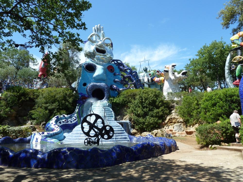 Art piscine creators - Niki de saint phalle le jardin des tarots ...