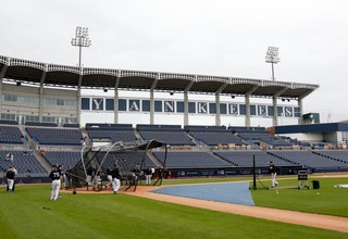 Yankees batting practice spring training