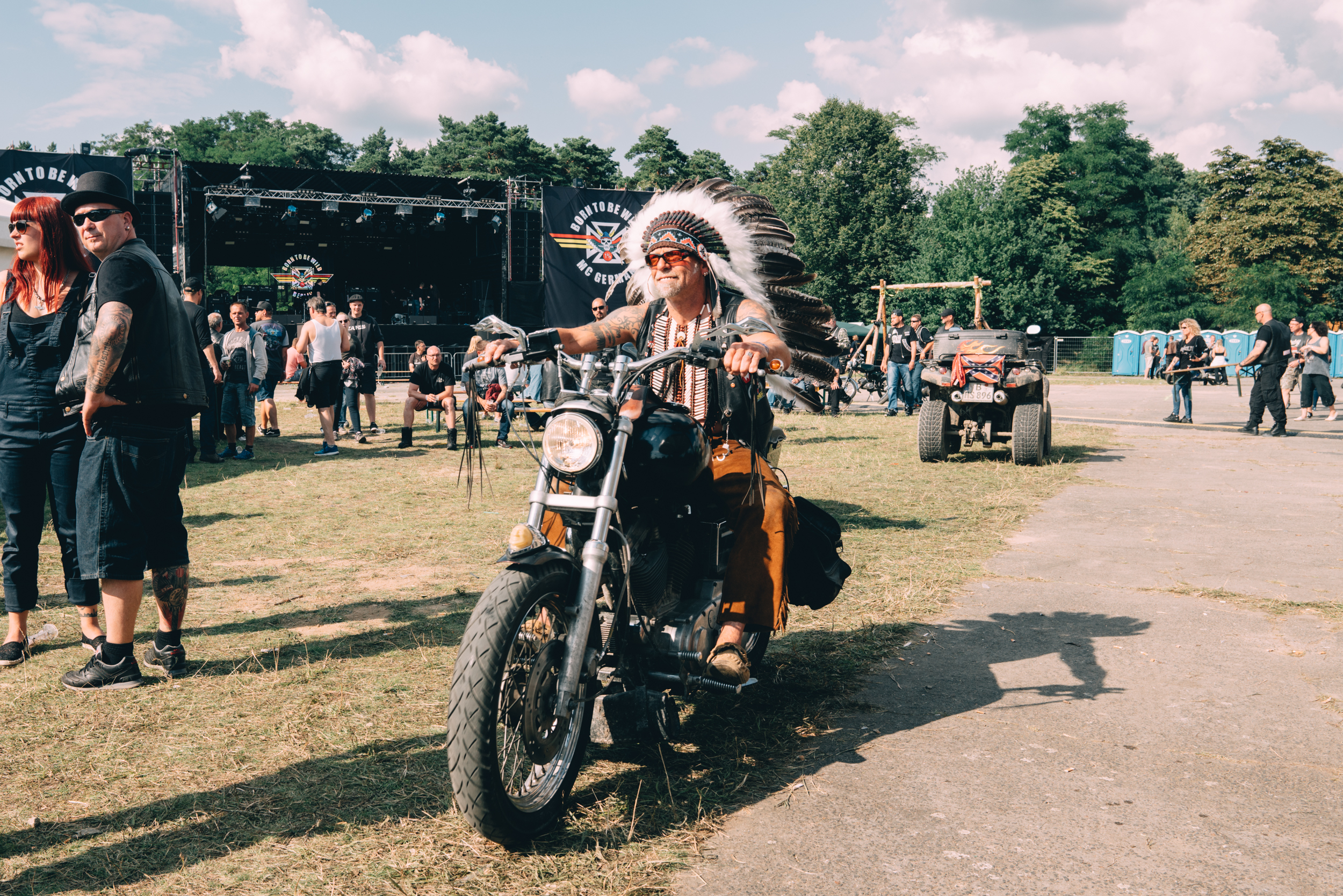 frauen nackt auf dem motorrad