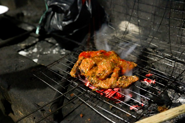 No One Cooks Chicken Like the Family Behind Lombok's