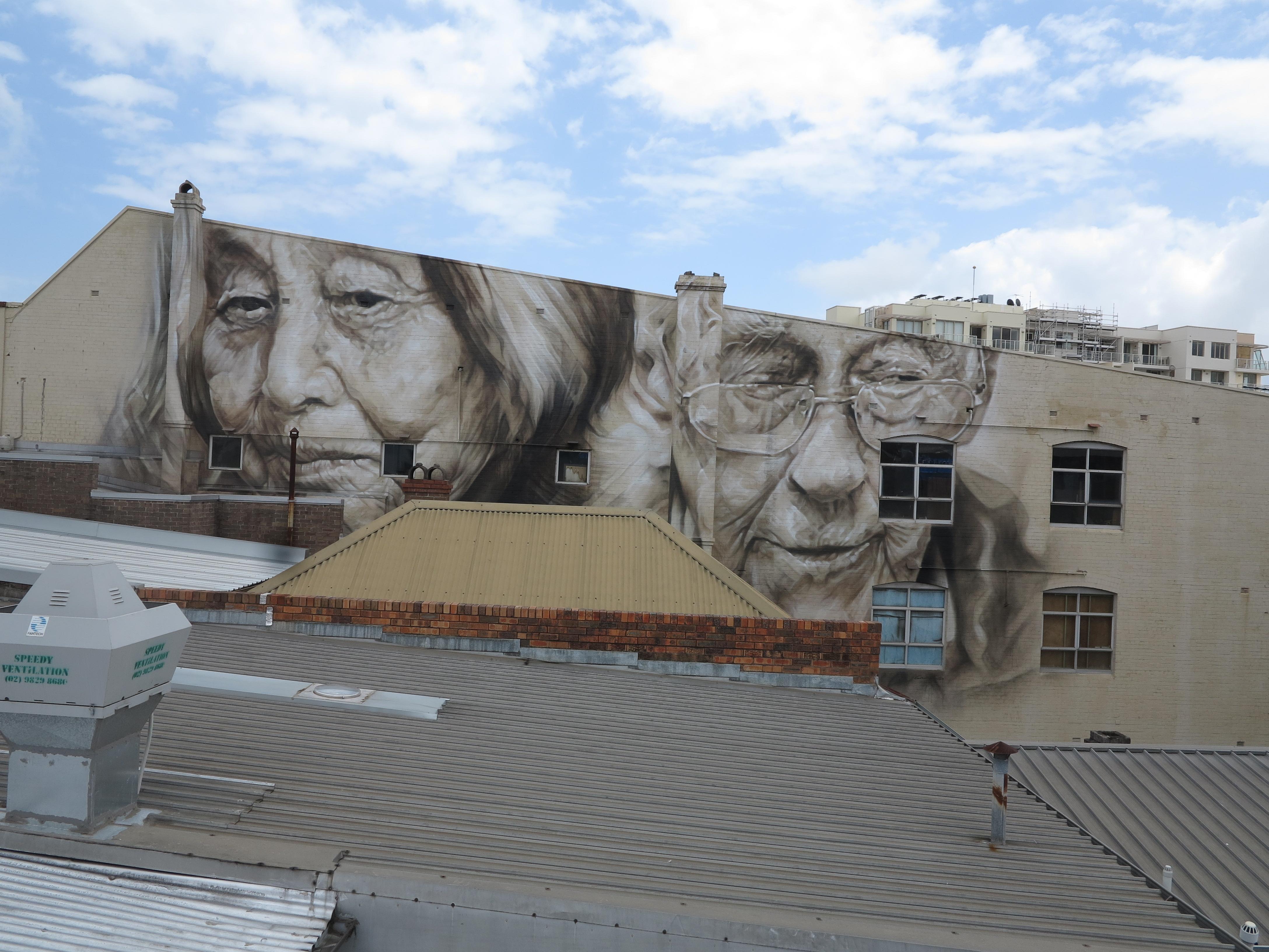 Australian artist covers small towns in massive for Australian mural