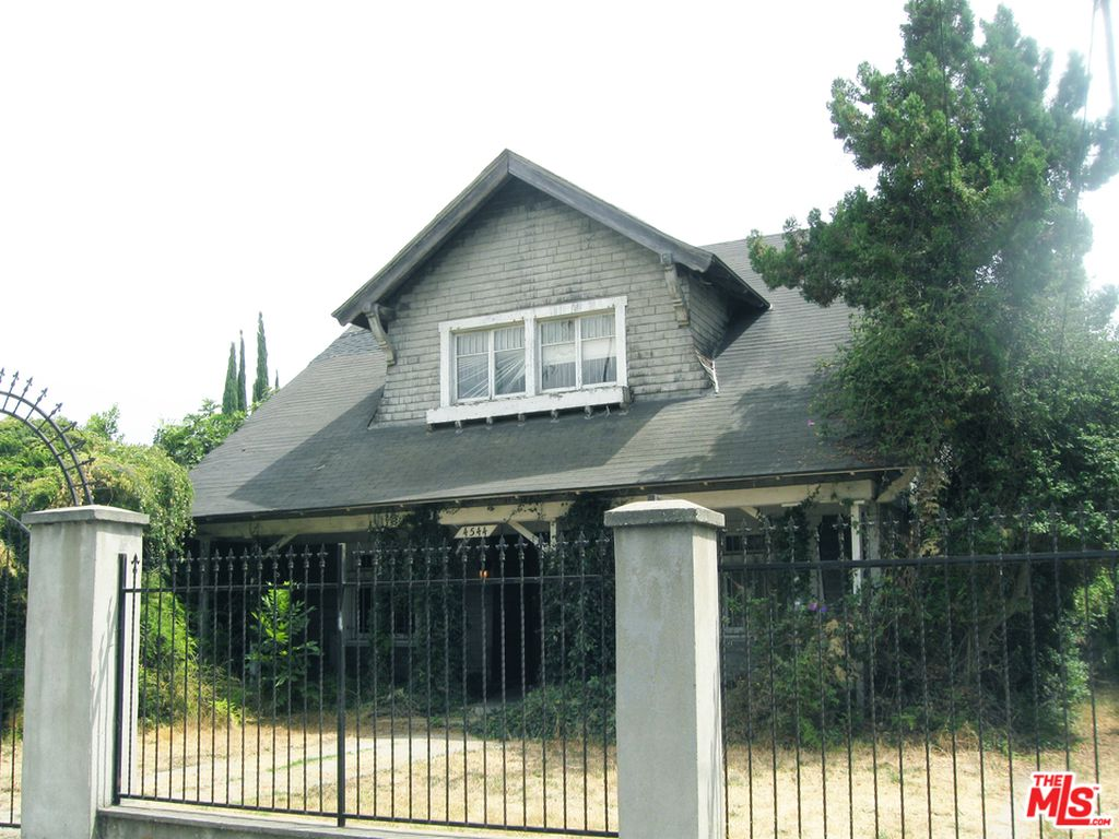 For 1 2 Million You Can Buy Danzig S House Noisey