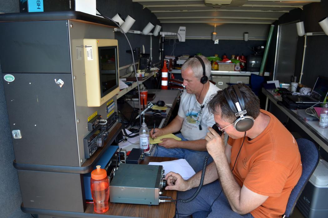 """Instalación del radio amateur (""""ham""""). Imagen: Flickr/Tracie Hall."""