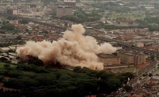 Carandiru-gesloopt-rookwolk-João-Wainer