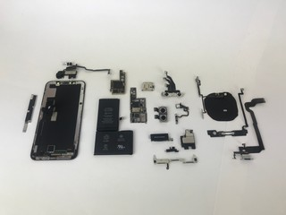 How iFixit Became King of the iPhone Teardown - VICE
