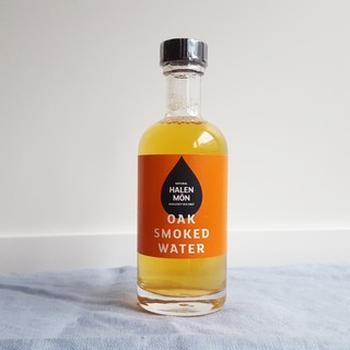Oak Smoked Water von Halen Môn