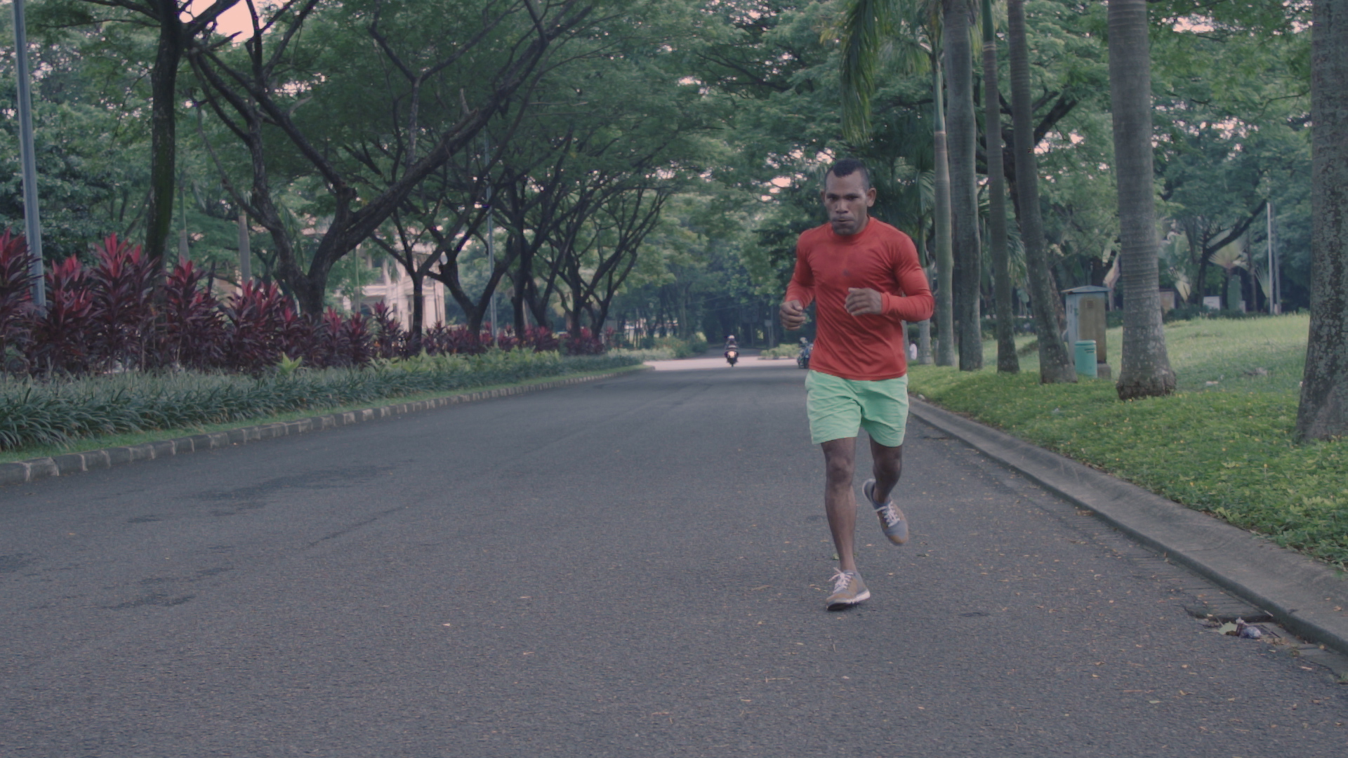 How Indonesian Boxer John Basan Cuts the Fat Before Each ...