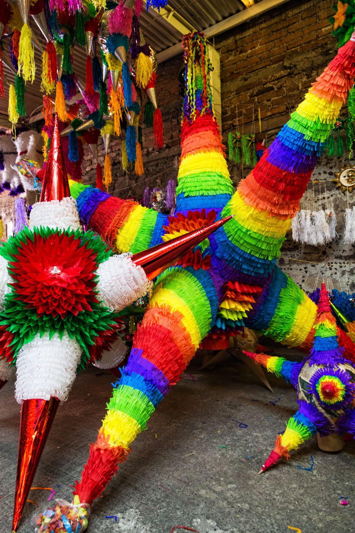 Acolman El Pueblo De La Piñata Mexicana Vice