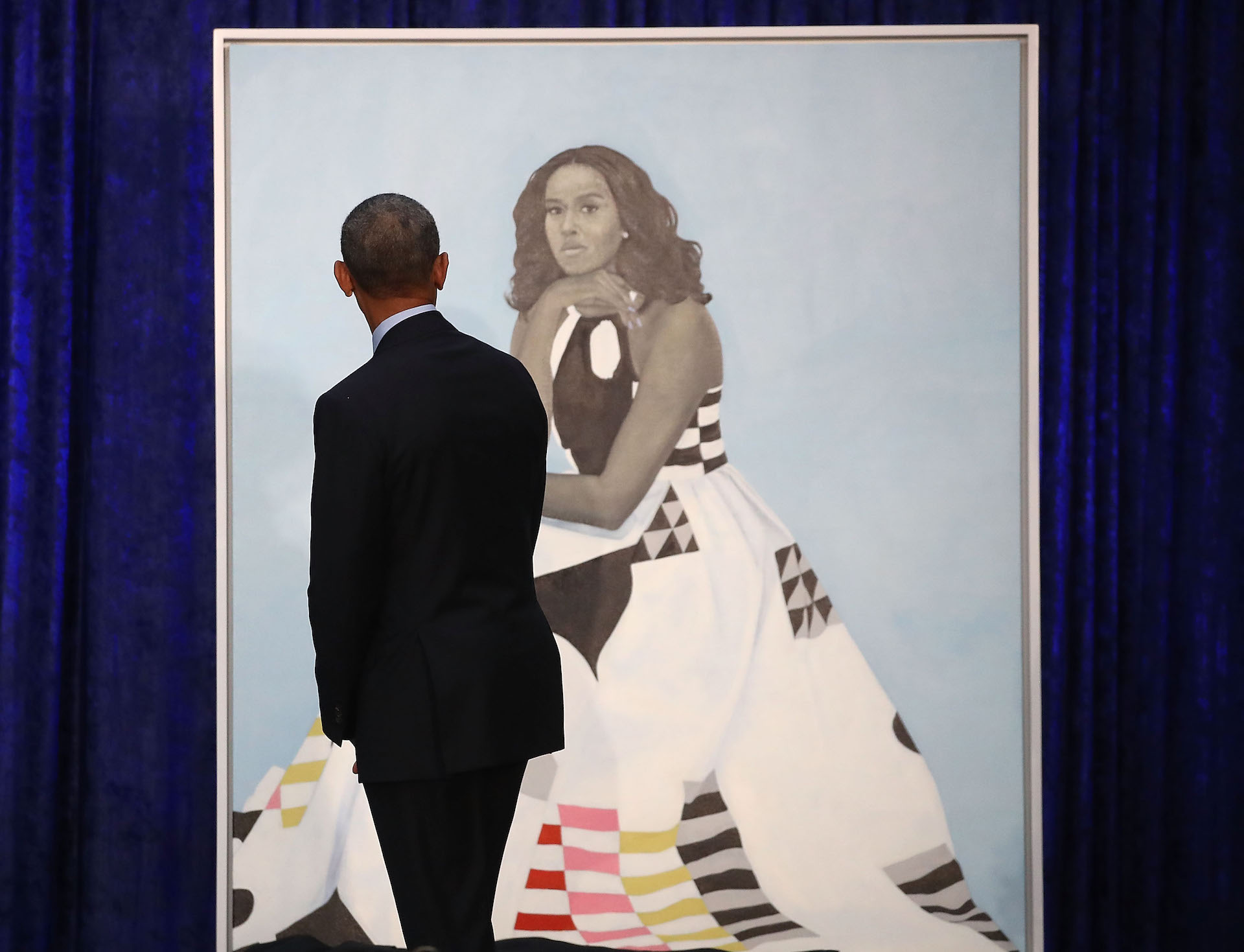 Obama's official portrait is very different from past ...