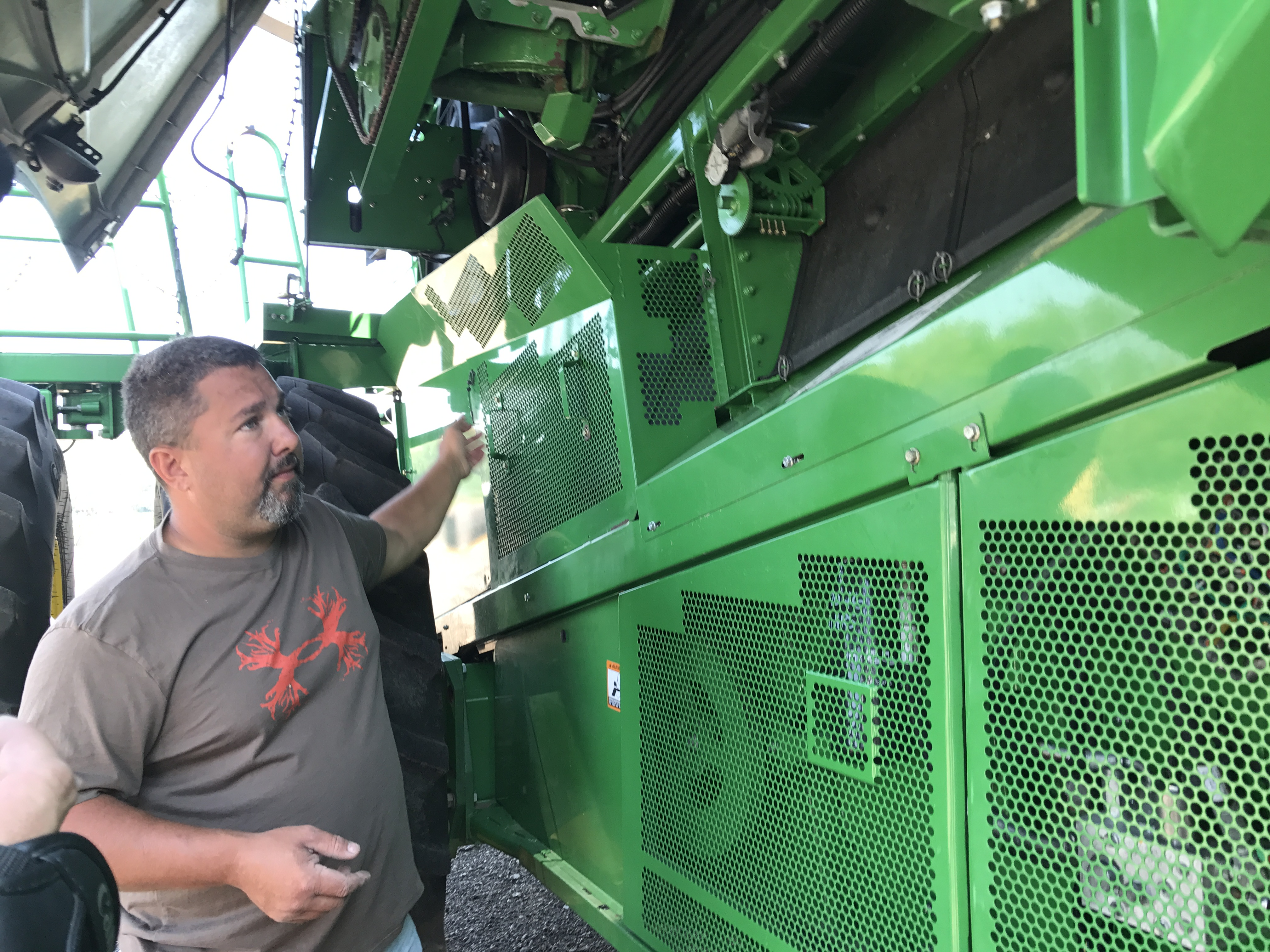 Tractor-Hacking Farmers Are Leading a Revolt Against Big Tech's