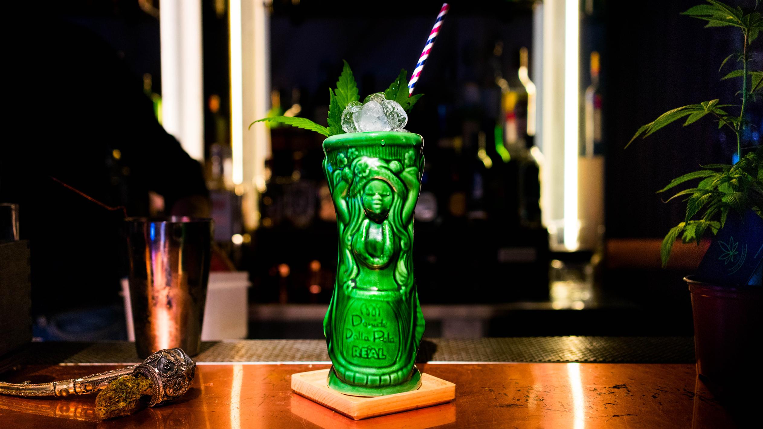 Cocktail alla cannabis light e sidro