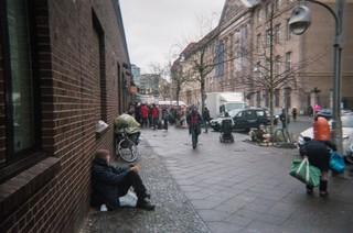 In der Straße hinter dem Bahnhof Zoo befindet sich die Berliner Stadtmission