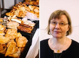 Gespendete Spritzkuchen, Apfeltaschen und Franzbrötchen bei der Neuköllner Tafel, rechts daneben steht Carola Thümm-Söhle