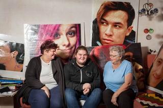 Kunst aus Bügelperlen Lea und ihre Familie