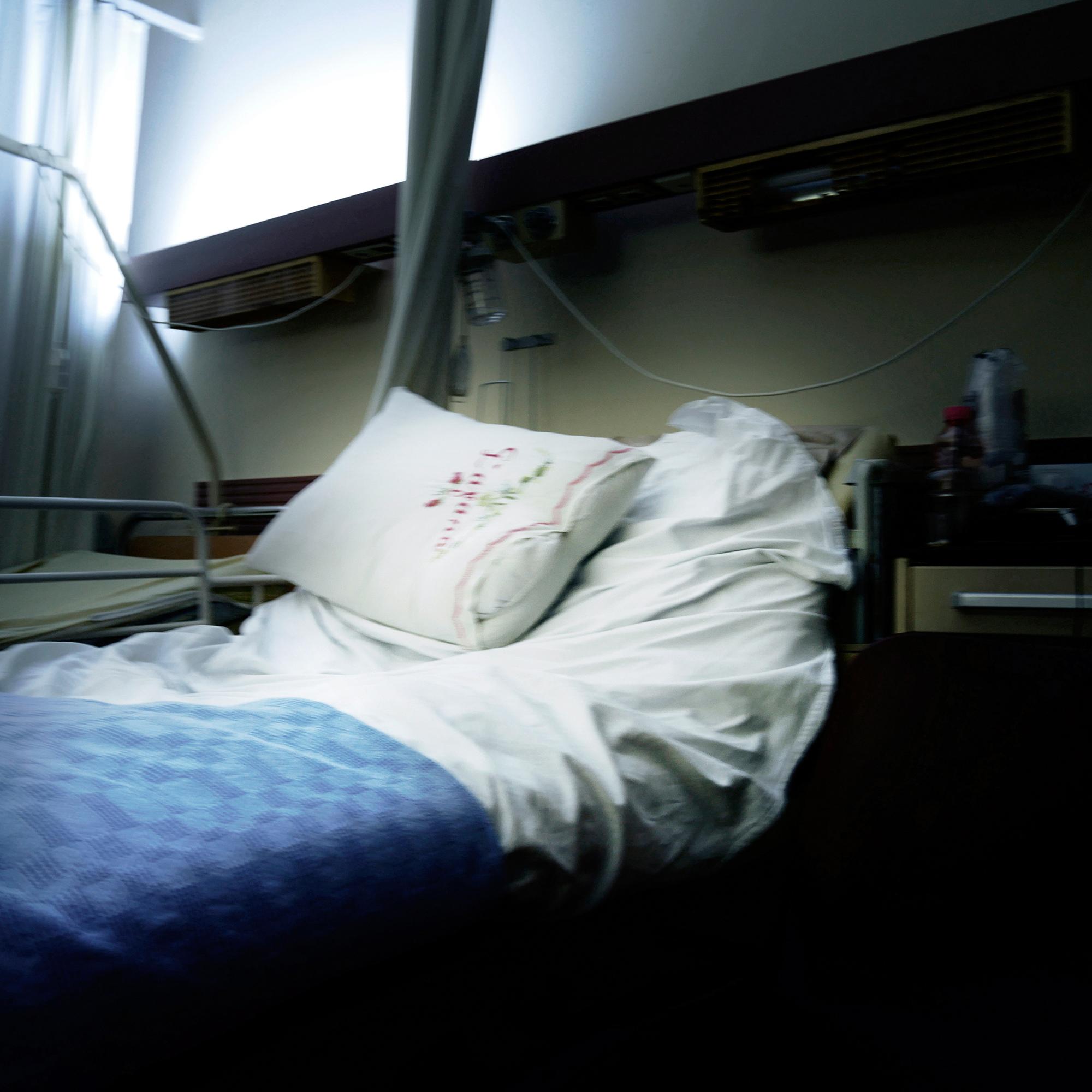Γιατροί που βγαίνουν με νοσοκόμες