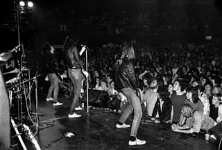 Intimate Photos of the Ramones During Punk's Early Days - VICE