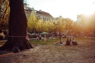 Boxhagener Platz Yoga-Gruppe
