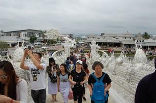 1525098335290-Templul-Alb-Chiang-Rai