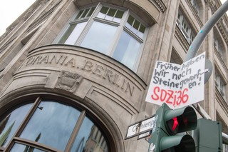 Proteste gegen Gentrifizierung durch das Orania-Hotel