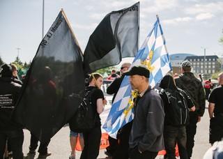 Autonome Nationalisten bei der Demo des III. Wegs