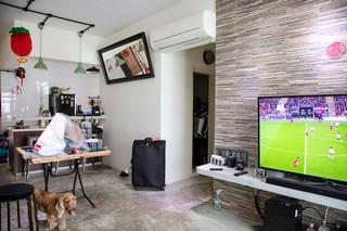 Michells Wohnung ist klein, aber ordentlich und modern