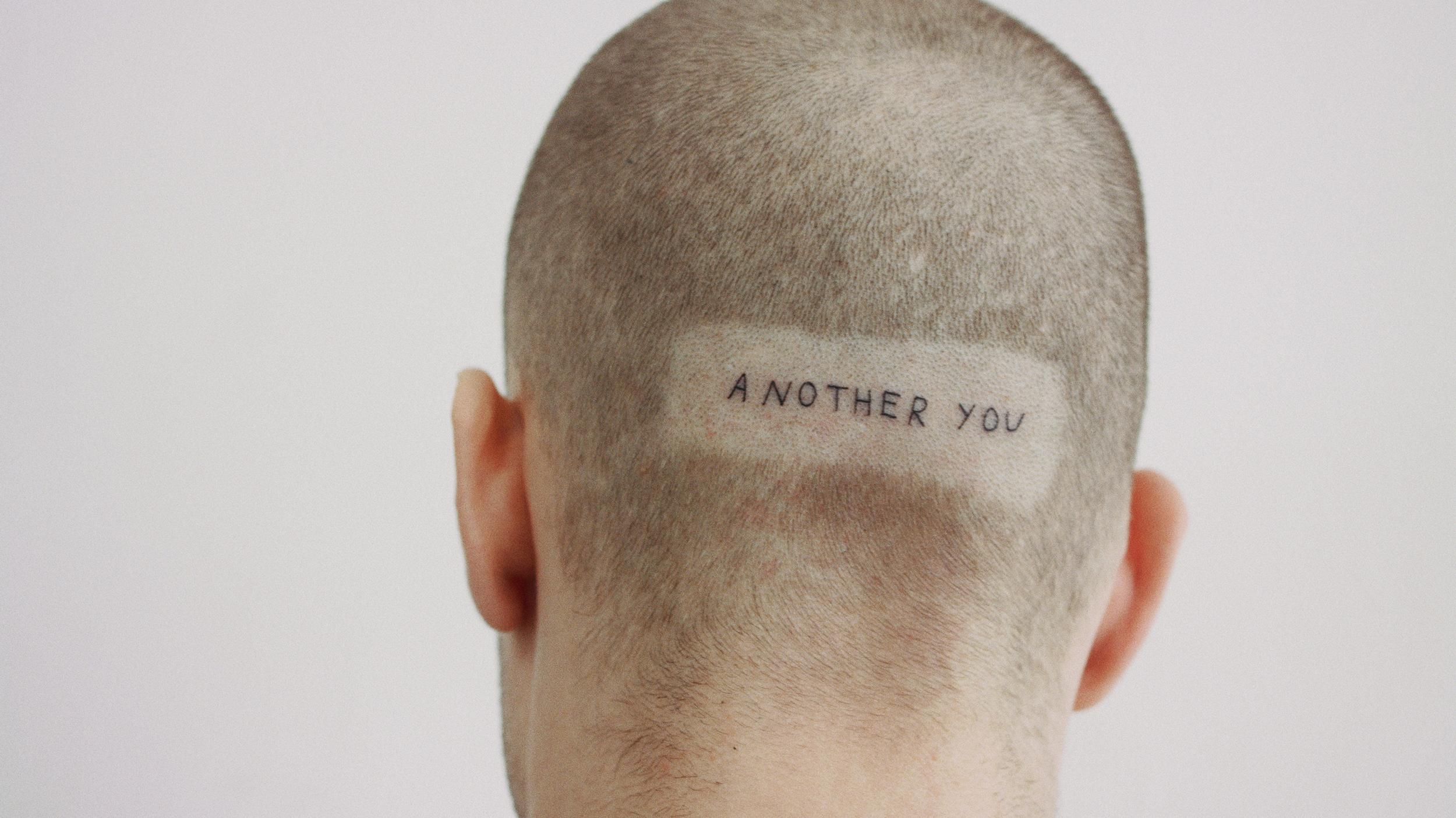 Questo Tatuatore Decide Cosa Tatuare Ai Suoi Clienti Senza