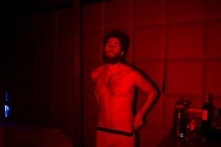 Der Autor im BDSM-Zimmer des Liebesmotels