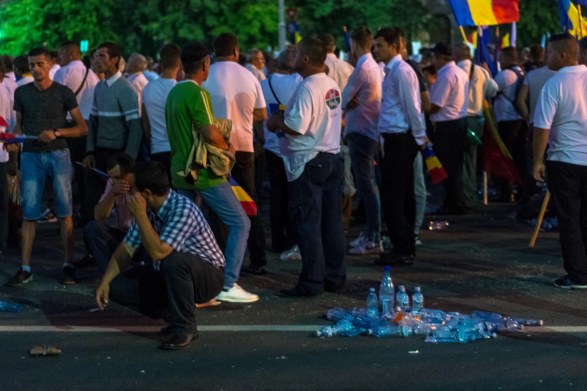 MELE - Cine va pierde de pe urma mitingului PSD-ALDE - Pagina 2 1528628079170-Miting-PSD-mizeria-din-urma-7