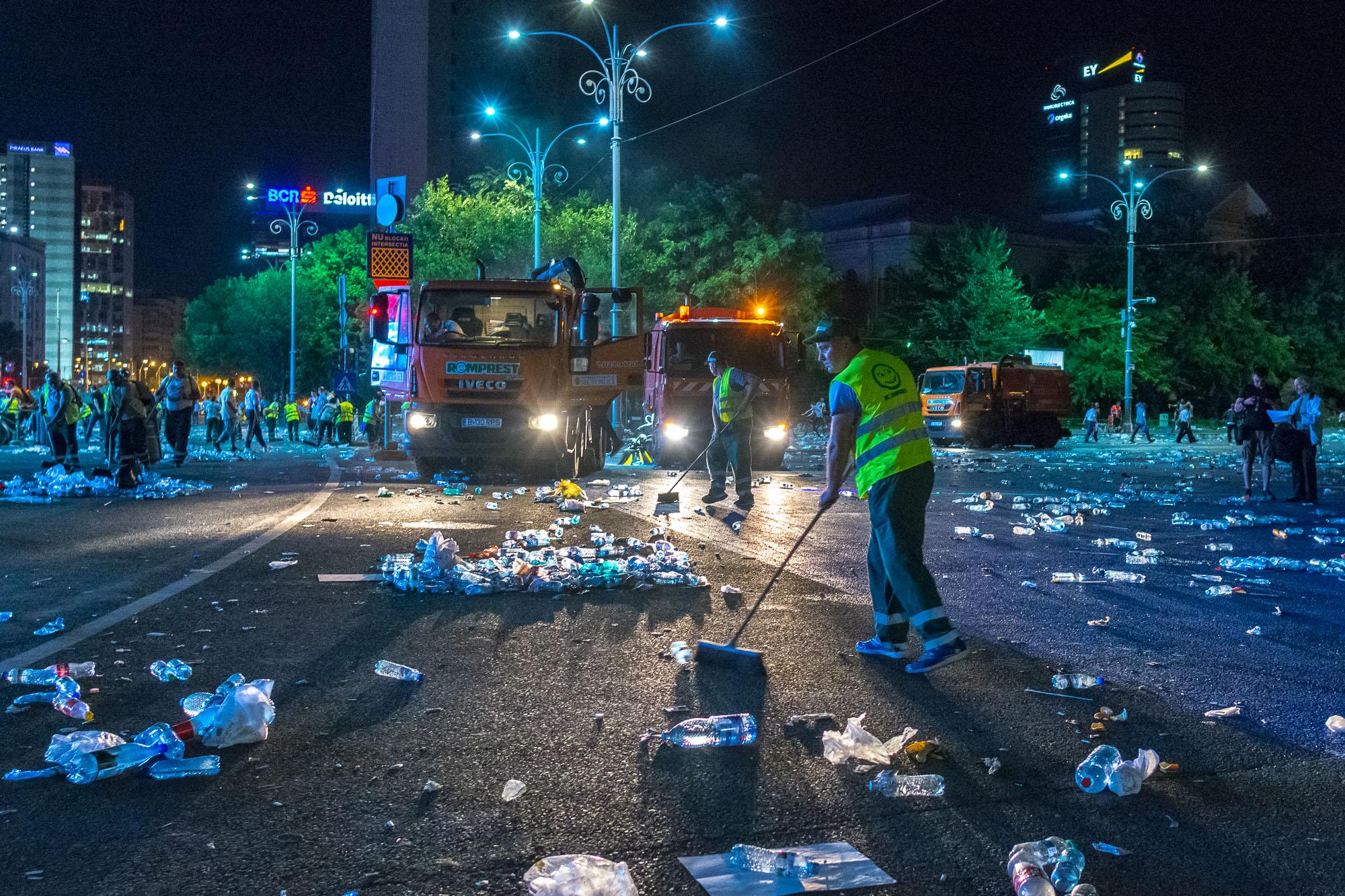 MELE - Cine va pierde de pe urma mitingului PSD-ALDE - Pagina 2 1528628154605-Miting-PSD-mizeria-din-urma-20