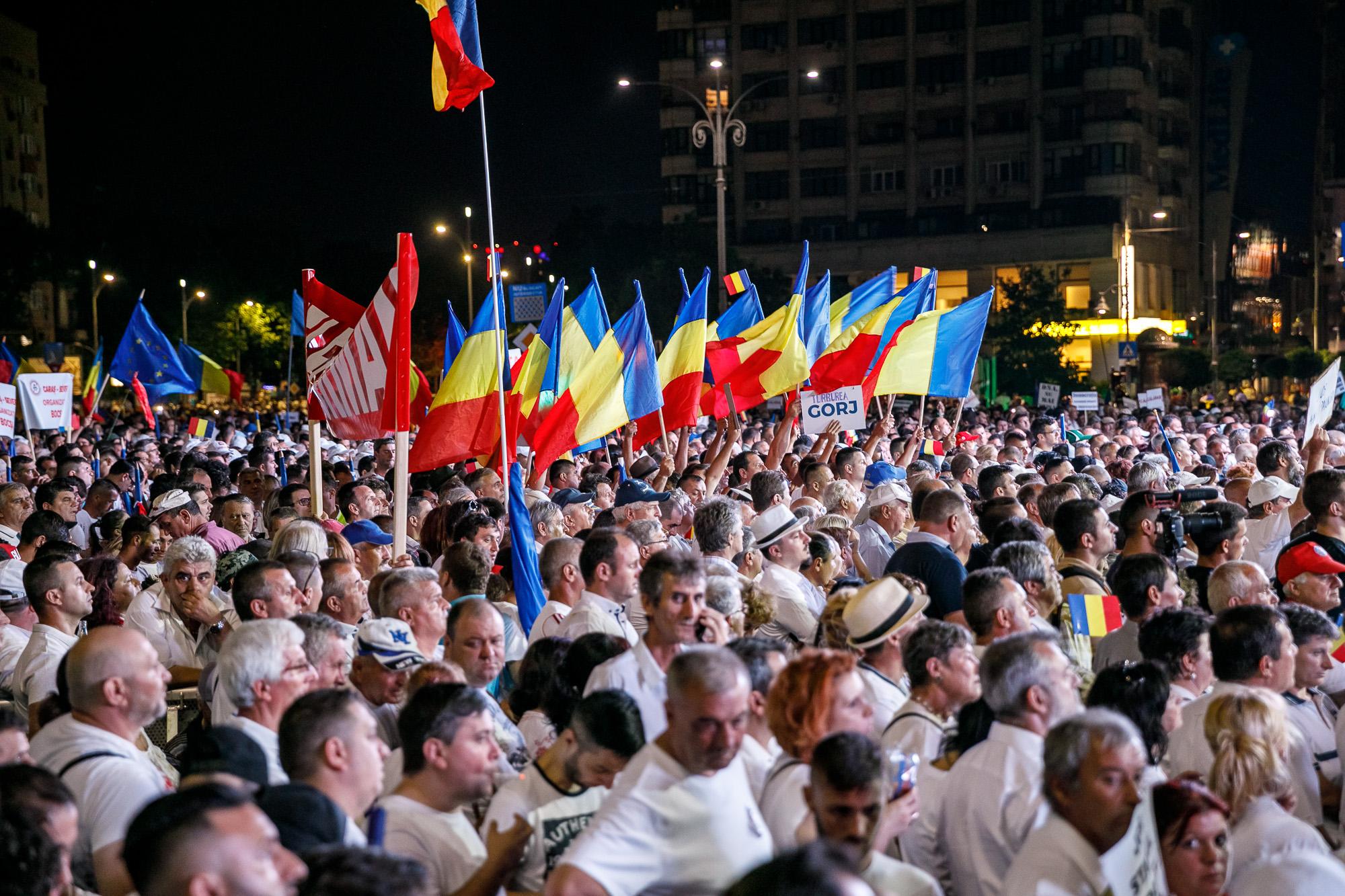 Dragnea - Cine va pierde de pe urma mitingului PSD-ALDE - Pagina 2 1528636137868-miting-psd-9-iunie-186