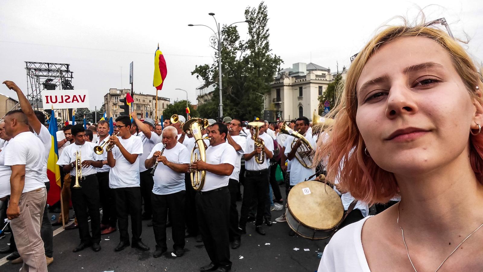 Dragnea - Cine va pierde de pe urma mitingului PSD-ALDE - Pagina 2 1528640450599-Miting-PSD-oamenii-din-Vaslui-13