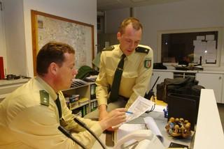 Foto von Toto und Harry am Schreibtisch