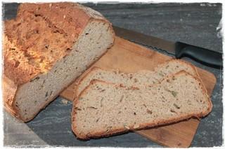 Einkorn-Emmer-Brot mit Kürbiskernen